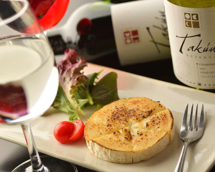 カマンベールチーズ炙りはワインにもあう一品