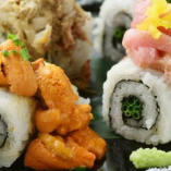 ウニの濃厚なとろける口当たりが堪らない!名物こぼれ寿司