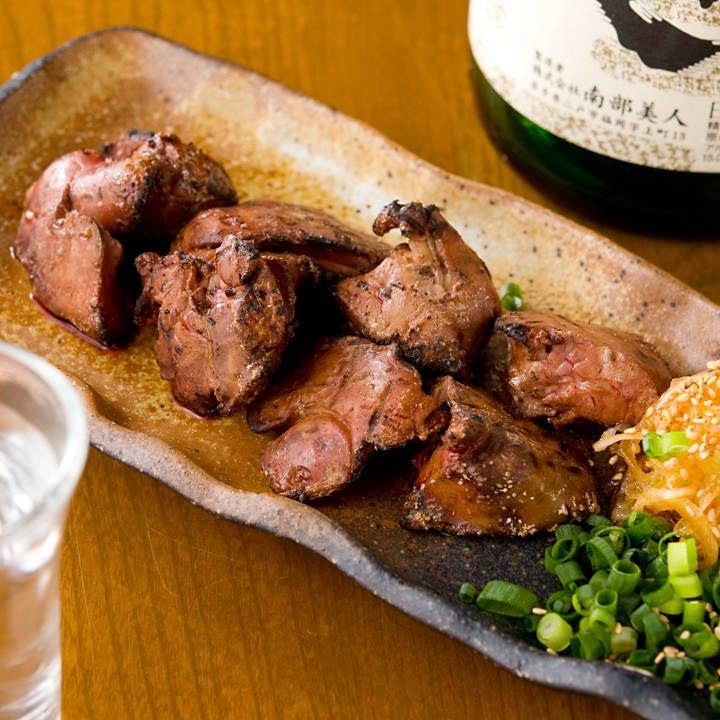 白レバー焼きは冷えたビールや日本酒や焼酎とよく合います