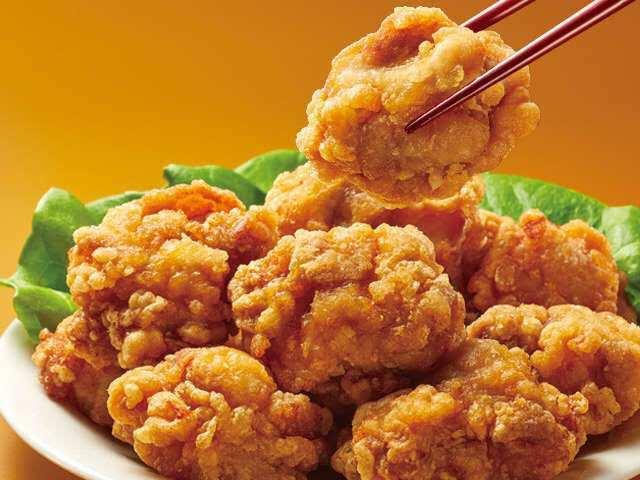 唐揚げ食べ放題や日替りミックス定食など満腹のメニューが豊富!
