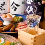 日本酒は全国各地から定番のものや希少なものまで集めました