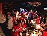 【貸切Party】貸切にて結婚式のアフターパーティーの様子♪ 広島カープファンの方の挙式後ともあってこの日限りは店内が真っ赤に染まりました(・∀・)  インスタでも店舗情報発信してます♪ →@nikubaru_untitled