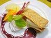 バニラアイスクリームのミルフィーユとフレッシュフルーツ