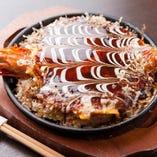 関西風と広島風をいいとこどり★大人気お好み焼き「焼栄焼き」