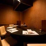 【3~6名様】目の前の鉄板を囲みながらお食事を楽しめるVIP個室カウンター席
