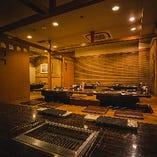 各種ご宴会に最適の広々空間をご用意。大人数様のご予約も歓迎。