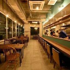ゆったり空間/小洒落た紙屋町の酒場