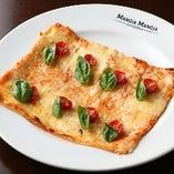 HONMOKU PIZZA トマトとバジル