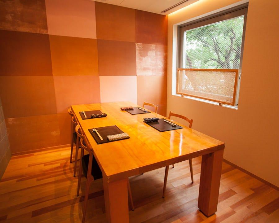 接待や会食に最適の完全個室