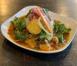 ヘルシー鶏胸肉と季節野菜のパイタンカリー