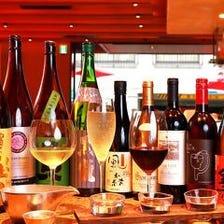 豊富なボトルワインや日本酒の数々!
