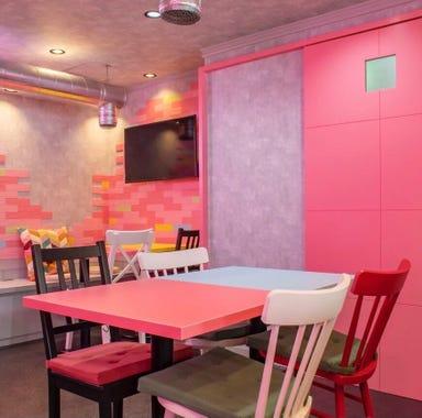 韓国料理サムギョプサルとフライドチキン スリスリマスリ 梅田店 店内の画像
