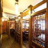 2階は大きさ調整できる個室、25名様~フロア貸切OK