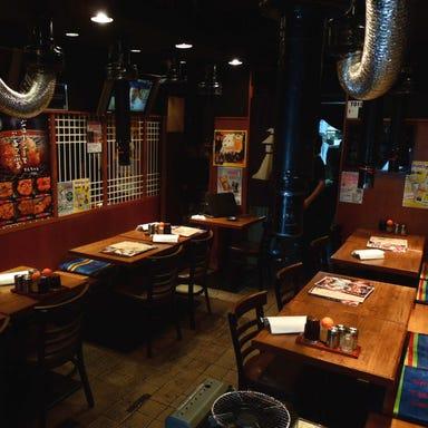 本格炭火焼肉・ホルモン 徳ちゃん 恵比寿本店 店内の画像