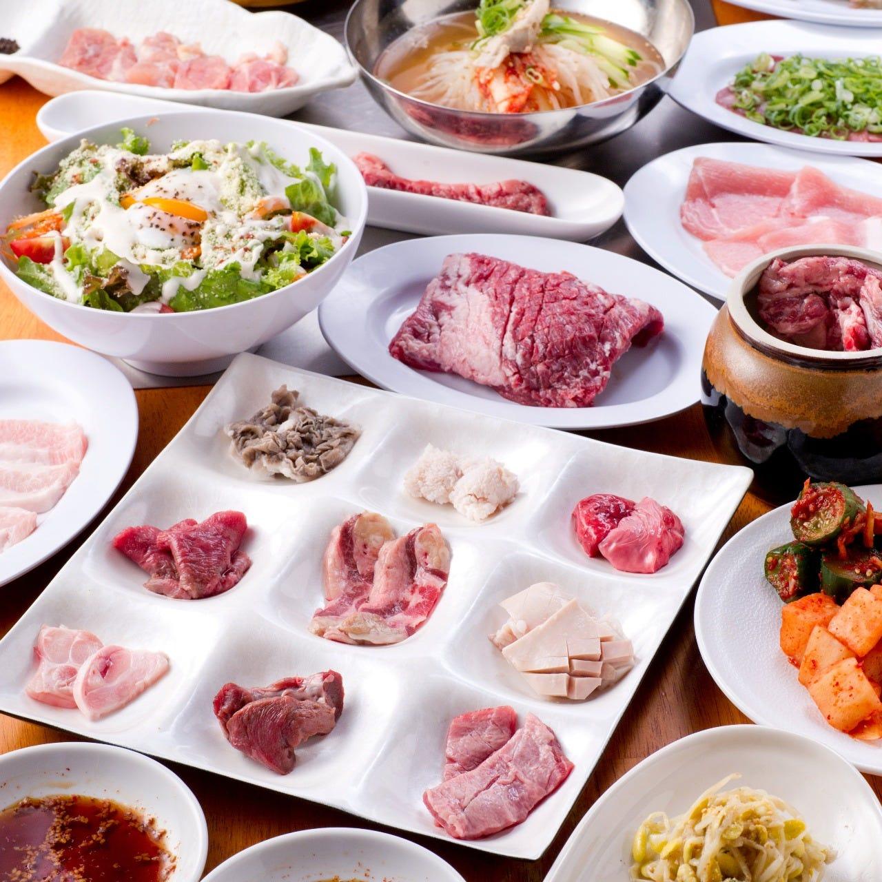 充実の食べ放題は69種類と100種類から選べます。