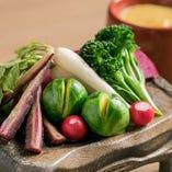 旬にこだわった野菜メニューも充実。