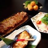 焼き魚や肉料理等、約10種類用意してます。