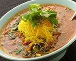 テグタン・クッパなどのご飯もの、冷麺などの麺類にも野菜がたっぷり使われています。ヘルシーで美味しいメニューの数々をお楽しみ下さい!