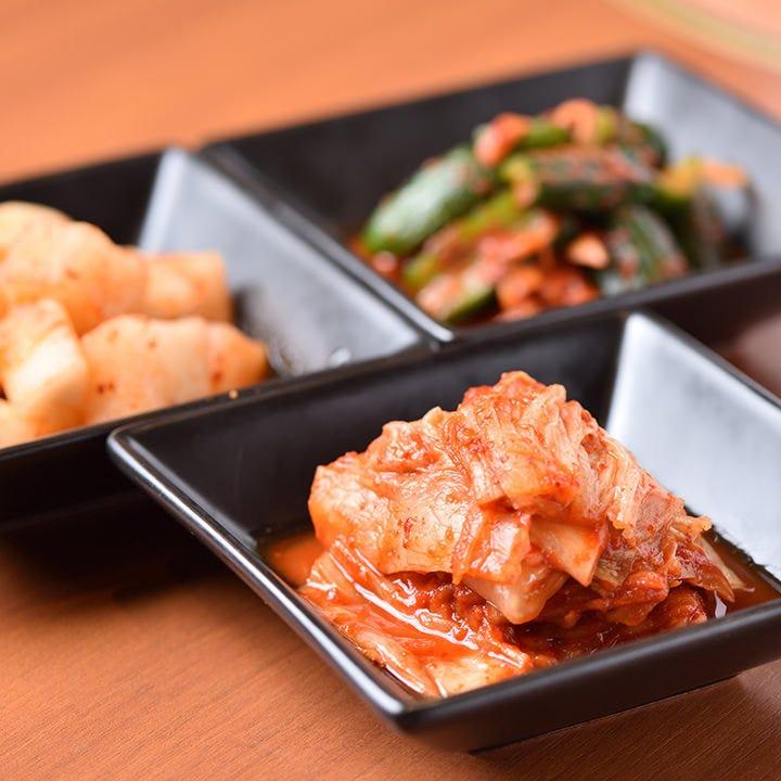 韓国産の唐辛子を使用した「キムチ」など一品料理も多彩にご用意