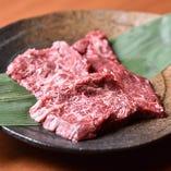 【こだわりのお肉】 毎朝手切りしたお肉をその日のうちにご提供