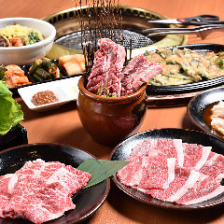 お肉と一品を好きなだけ!食べ放題★