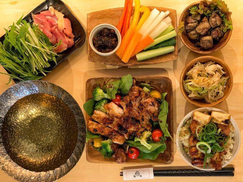 【2時間制&当日予約OK】『鶏まんぷくコース』九州地鶏の黒かご焼き、チキンステーキなど7品♪