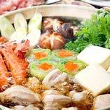 <鍋料理は、一年中やってます!>但し、前日ご予約お願いします。種類は、ホルモン鍋、トマト鍋、カレー鍋、豆乳コラーゲン鍋、胡麻味噌石狩鍋、韓国キムチ鍋があります。暑い夏こそカレー鍋イイっす!