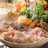 選べる鍋コースは7種類!(豆乳コラーゲン/キムチ/カレー/石狩/トマト/極旨もつ/フォアグラ)