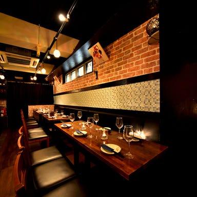 肉寿司・焼き鳥・ステーキ食べ放題 居酒屋 一空ISHORA新宿東口店 店内の画像
