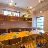 お洒落な空間でプライベートな宴会が楽しめる個室は3室!