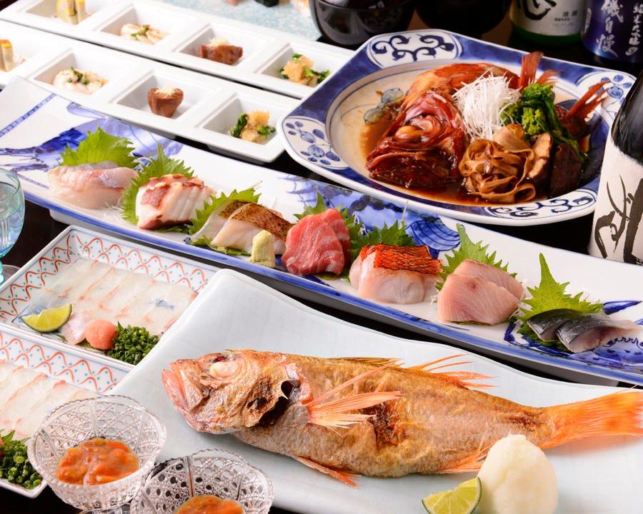 その日に仕入れた鮮魚を贅沢に使った 魚づくしコース