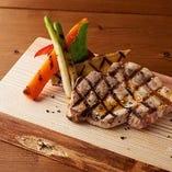 奈良のブランド豚「ヤマトポーク」を使ったグリル料理