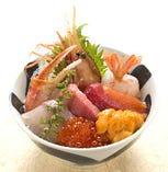 築地海鮮丼 3100円 ※お椀・デザート付
