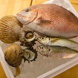 《新鮮》 新鮮な魚介をお楽しみください!