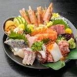 名物!11種の贅沢な海鮮お造り盛り合わせ 1,100円