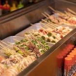 大人気の野菜巻き串。新鮮な野菜を一つづつ丁寧に巻いています。