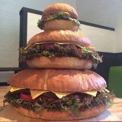 ★BIG BURGERケーキでサプライズ★