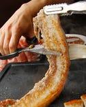 極厚!花三段バラ肉は驚異の肉感!カンナ三段バラと食べ比べも!