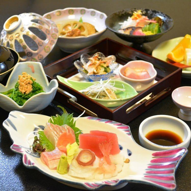 長岡駅~徒歩4分!駅近で日本料理を
