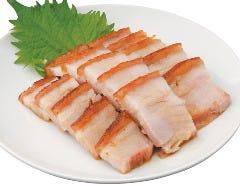 -脆皮焼?肉-皮付き豚バラ肉の焼物