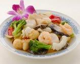 蘭花炒八珍-海鮮と野菜の八種炒め
