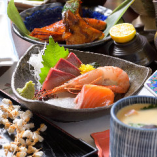 旬魚や旬菜をふんだんに使った和食料理をご堪能いただけます。