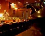 80余年を数える下町の小鄙びた佇まいの中で御寿司を。