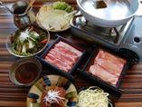 『ぐるなび限定!』90分飲み放題付で、しゃぶしゃぶ鍋と沖縄料理が堪能できるコース!