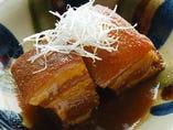 『豚料理・沖縄料理』が豊富に、そしてリーズナブルに堪能できる!定番から創作まで!