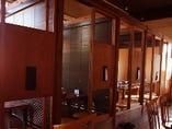◆ウッドブラインドで仕切られた個室
