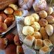 天然酵母の焼きたてパン。毎日、お店の厨房で焼いています。