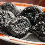 牛肉の黒い餃子