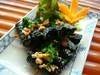 牛つくねのブドウの葉包み焼き ~越南直送 ブドウの葉風味~