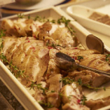 季節に応じて料理内容は日々変わります。その季節に一番美味しくいただける料理をご提供しております。